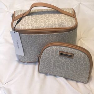 NWT!🔥Calvin Klein Toiletry Tote w/Cosmetic Bag